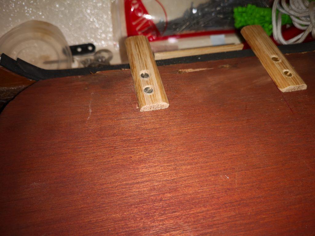 Replacement for broken saloon locker hinges