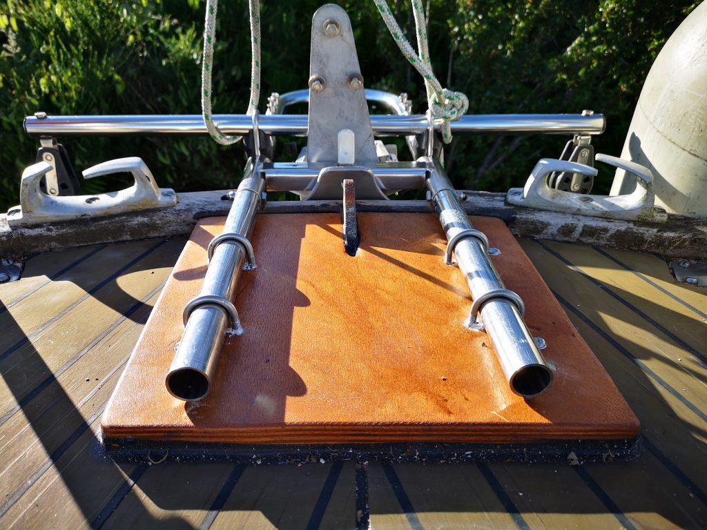 Windvane deck mounting