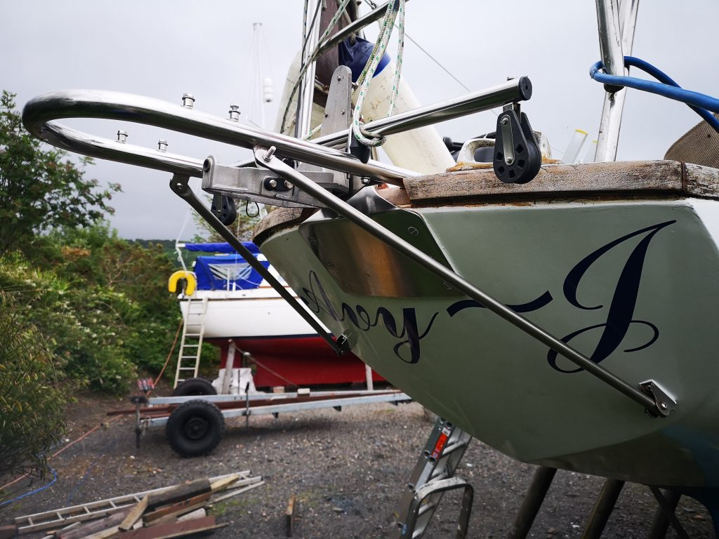 Windvane mounting and new aft chainplate